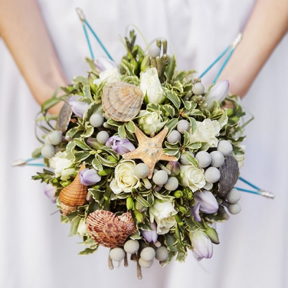 HFun Ways to Make Your Wedding Bouquet Stand Out