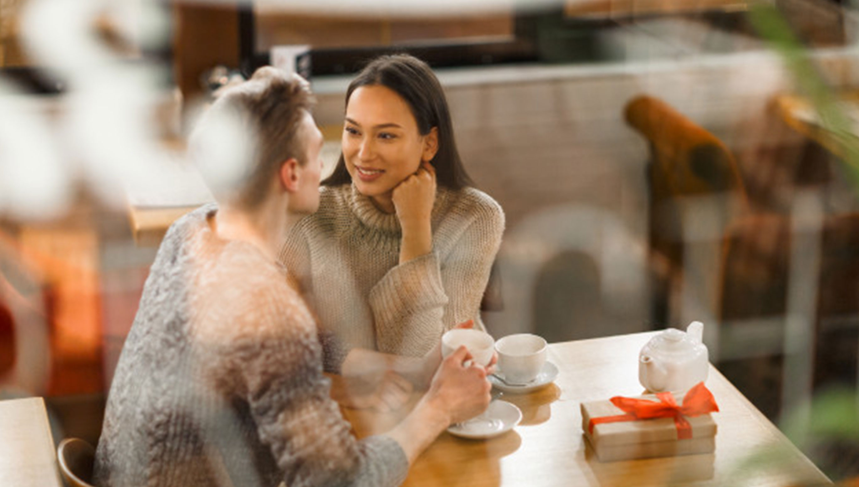 HChristmas Date Ideas for Couples in the City