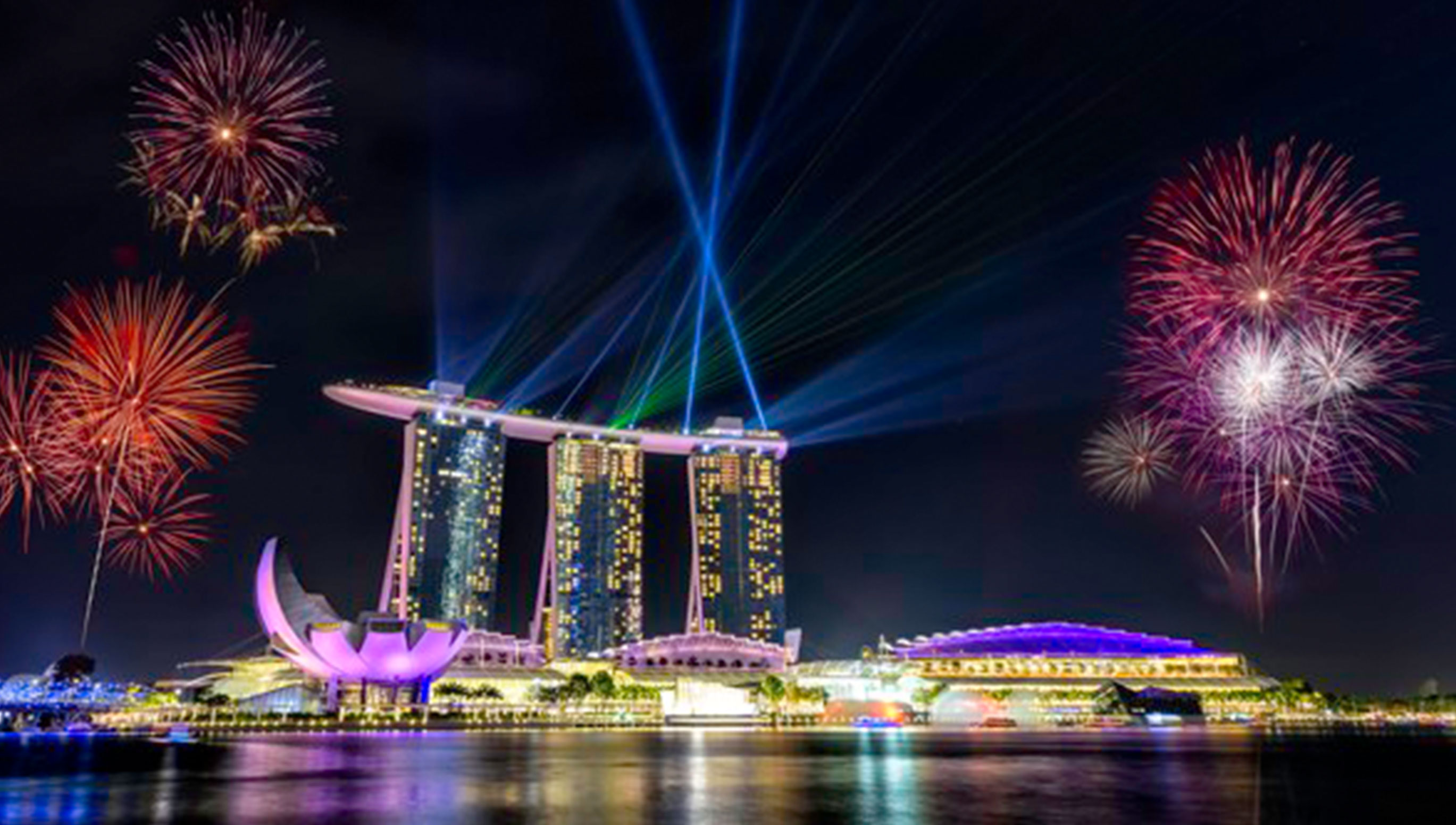 H10 Places for Romantic Countdown in Singapore