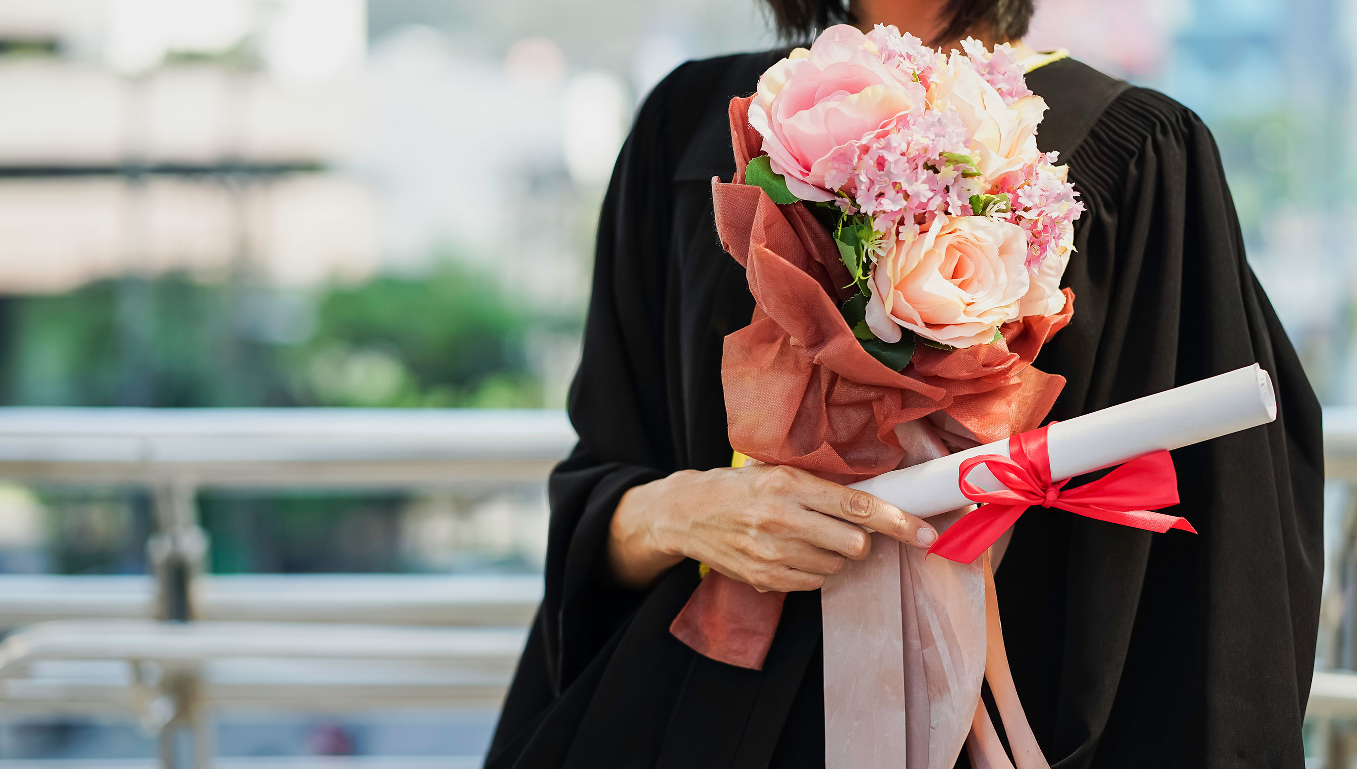 HOrdering Graduation Flowers for Your Friends
