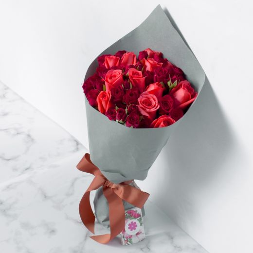 PINK ROSES & MINI ROSES BOUQUET