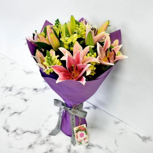 MIXED LILIES BOUQUET