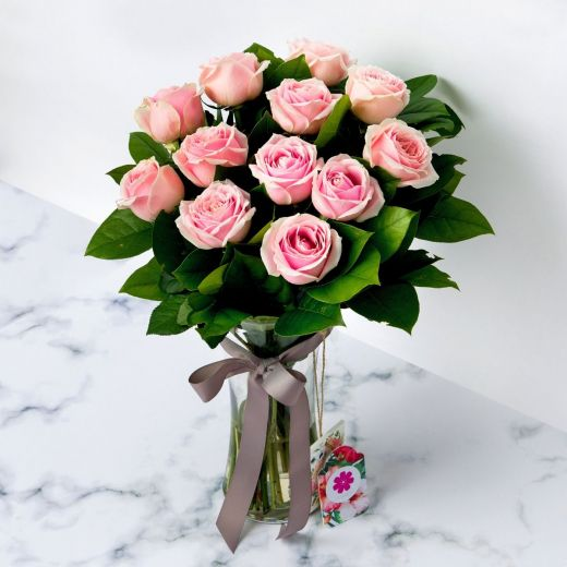 PINK ROSES WITH VASE FOR VALENTINE'S DAY