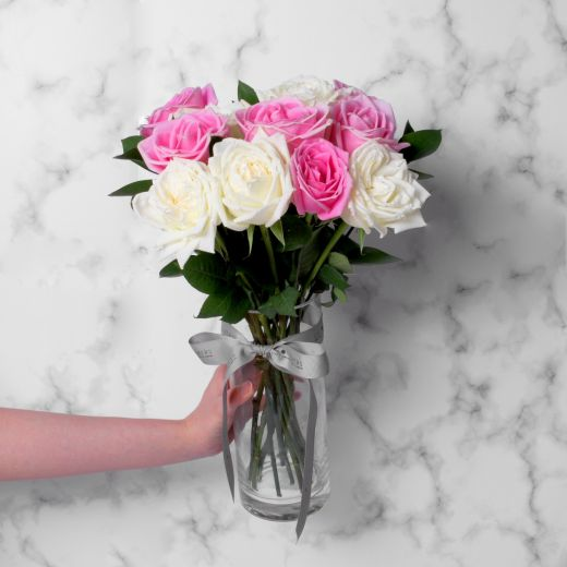 CLASSIC PINK AND WHITE ROSES WITH VASE FOR VALENTINE'S DAY
